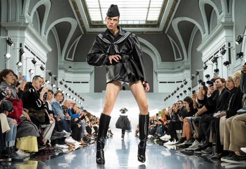 Походка манекенщика на Неделе моды в Париже рассмешила весь мир