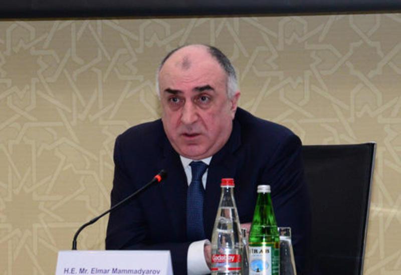 Эльмар Мамедъяров на переговорах с главой МИД Беларуси