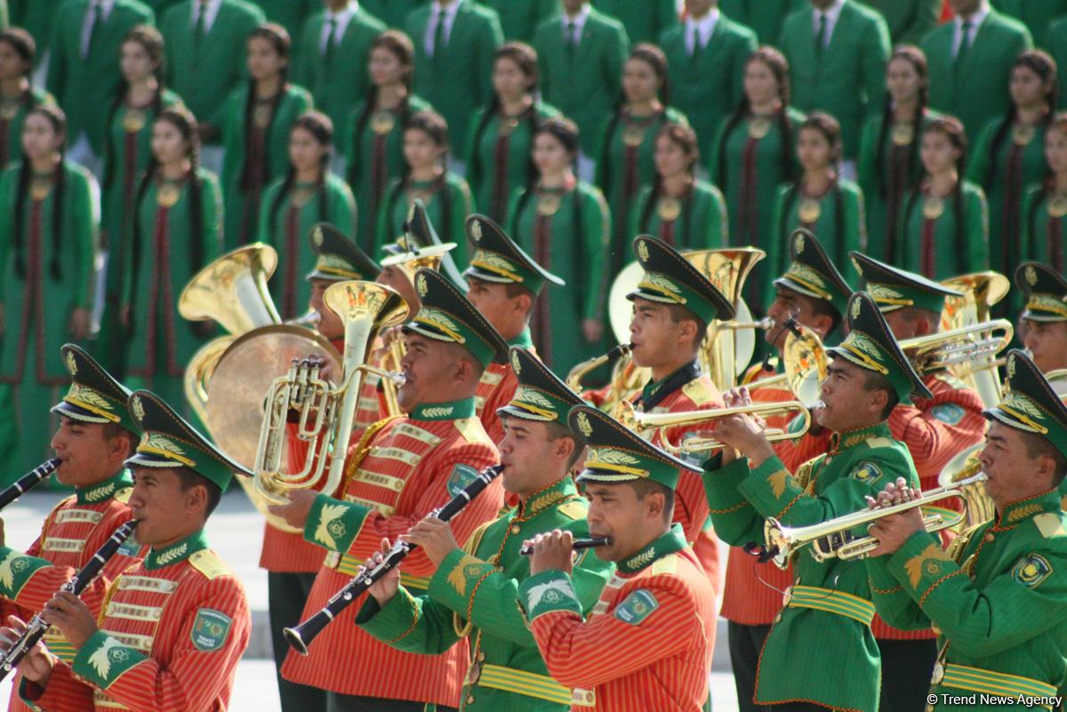 В Туркменистане прошёл военный парад в честь Дня независимости