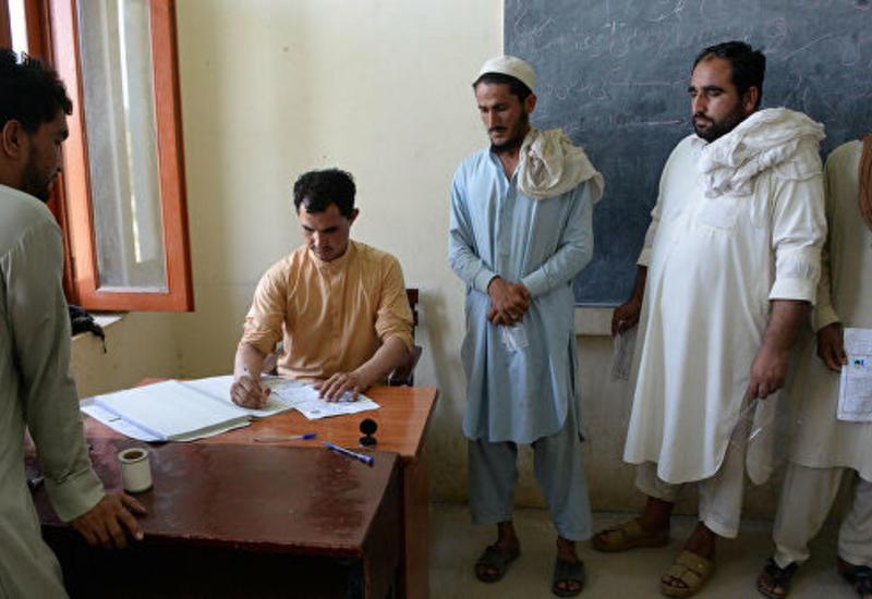 В Афганистане на президентских выборах закрылись избирательные участки
