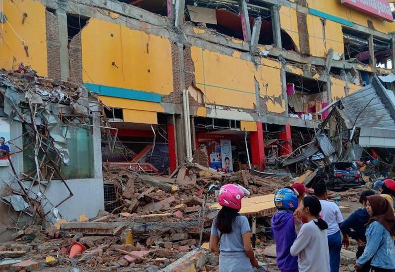 Число жертв землетрясения в Индонезии выросло
