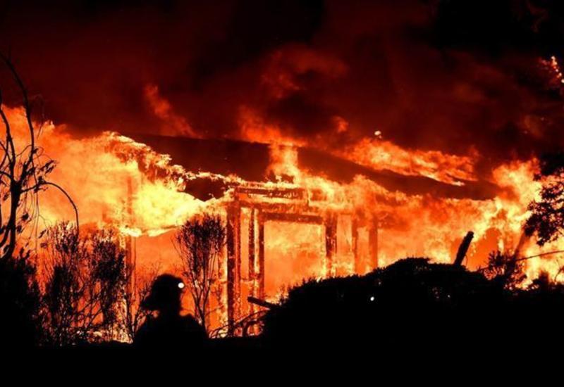 Страшный пожар в Баку, погибла малолетняя девочка
