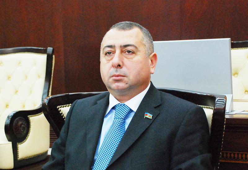 Депутат парламента Азербайджана подал в отставку