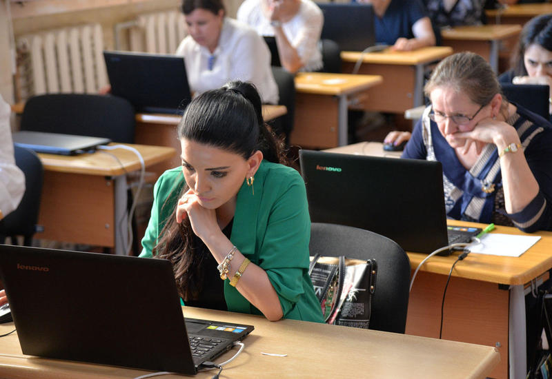 В Азербайджане названа дата проведения экзаменов для приема на работу учителей по ряду специальностей