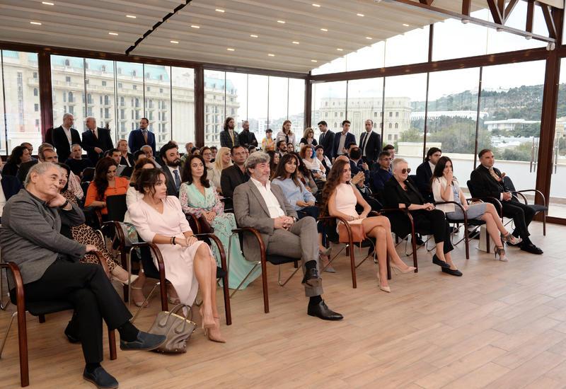 Вице-президент Фонда Гейдара Алиева Лейла Алиева и Арзу Алиева приняли участие в показе документального фильма «Свет за окном»