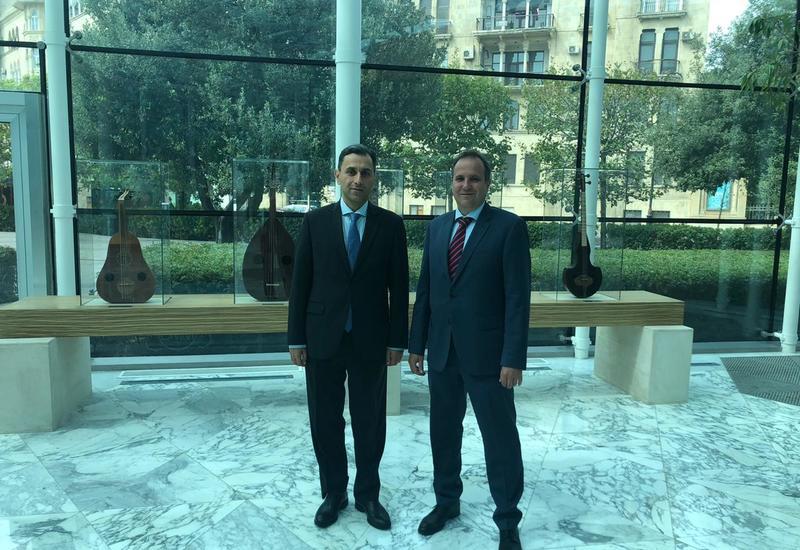 Посол Венгрии в Азербайджане посетил Международный центр мугама
