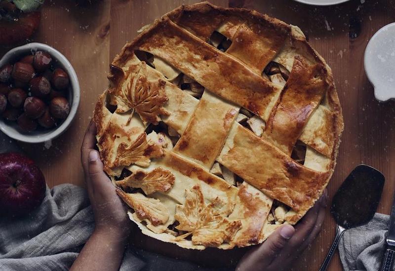 Самый аппетитный яблочный пирог на странице @shahzada_h