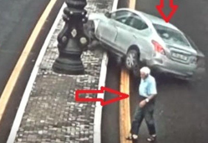 В Баку водитель, чтобы не сбить мужчину, устроил ДТП