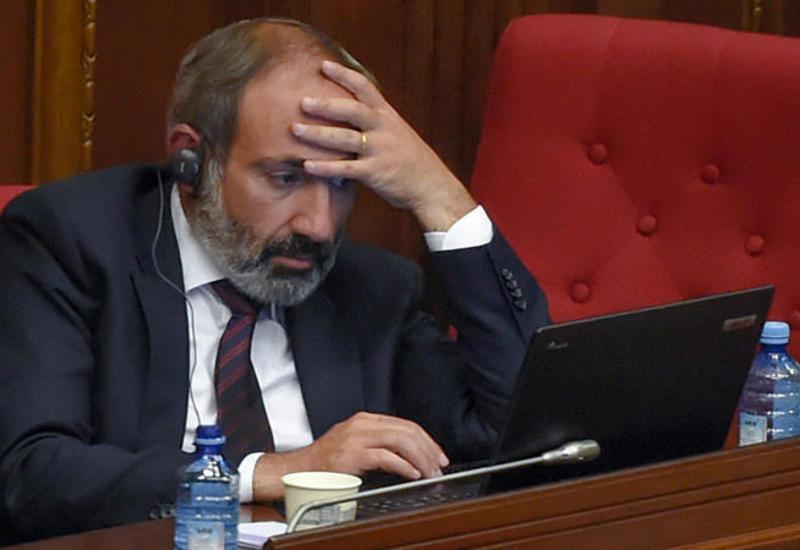 Заразившийся коронавирусом Пашинян назвал критической ситуацию в Армении