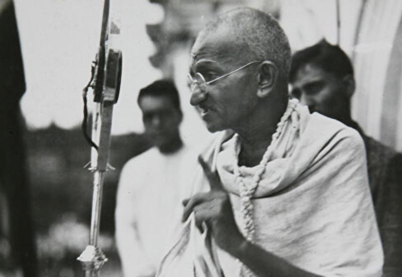 Полиция Индии опровергла сообщения о краже праха Махатмы Ганди