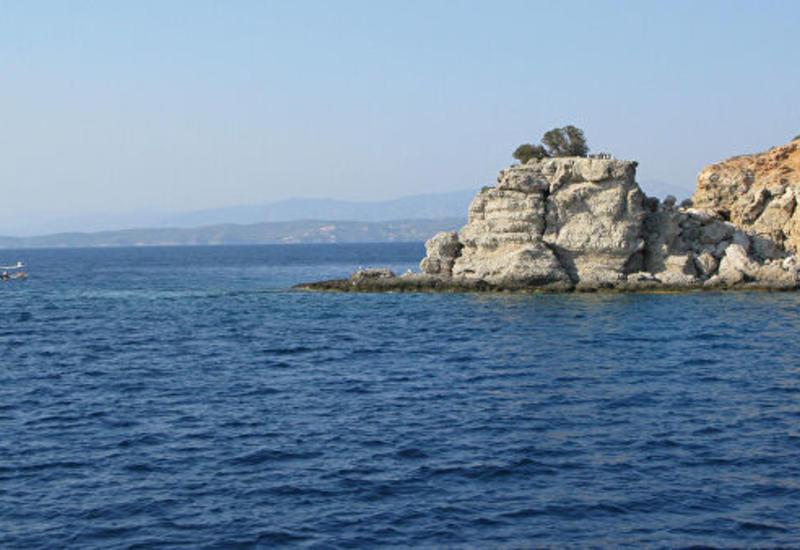 В Греции фрегат сел на мель в ходе учений