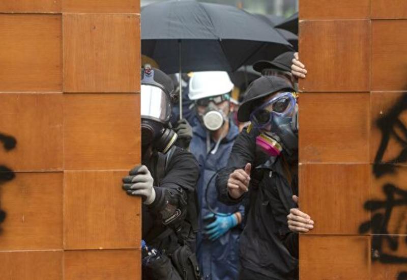 В Гонконге начались многотысячные протесты после запрета на ношение масок