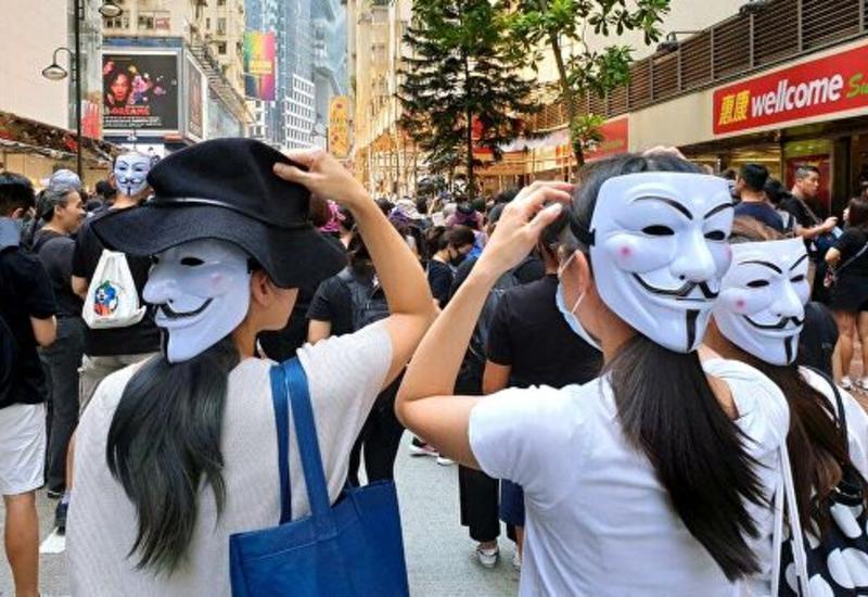 Власти Гонконга ввели запрет на ношение масок на протестах