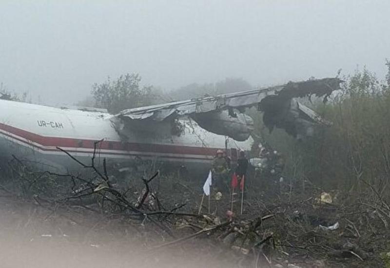 В Украине разбился самолет, есть погибшие и раненые