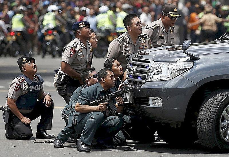 В Индонезии в ходе массовых беспорядков задержали почти 1,5 тыс. человек