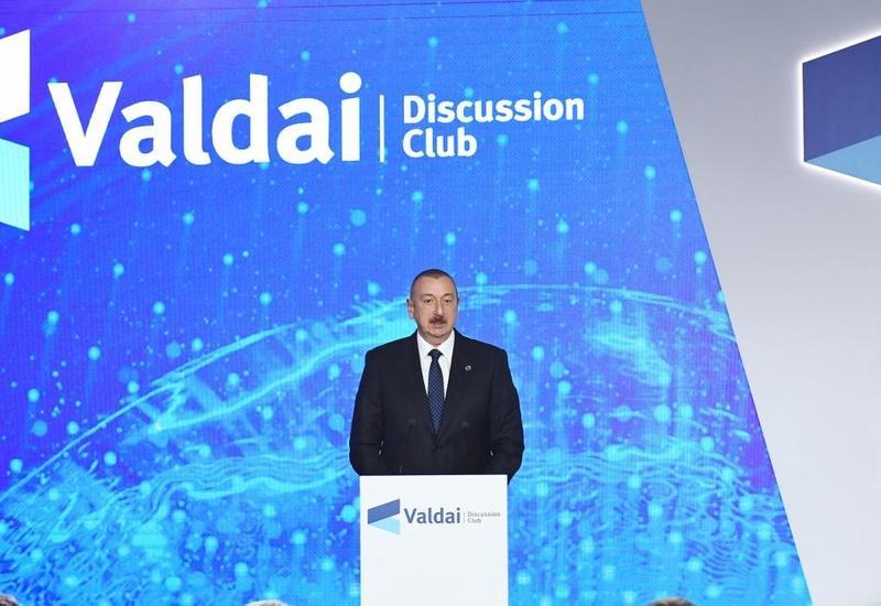 Президент Ильхам Алиев озвучивает свою позицию с высоких трибун, а премьер Армении - в своем окружении
