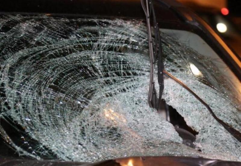 В Бейлагане семья попала в страшное ДТП: погиб ребенок, четверо ранены