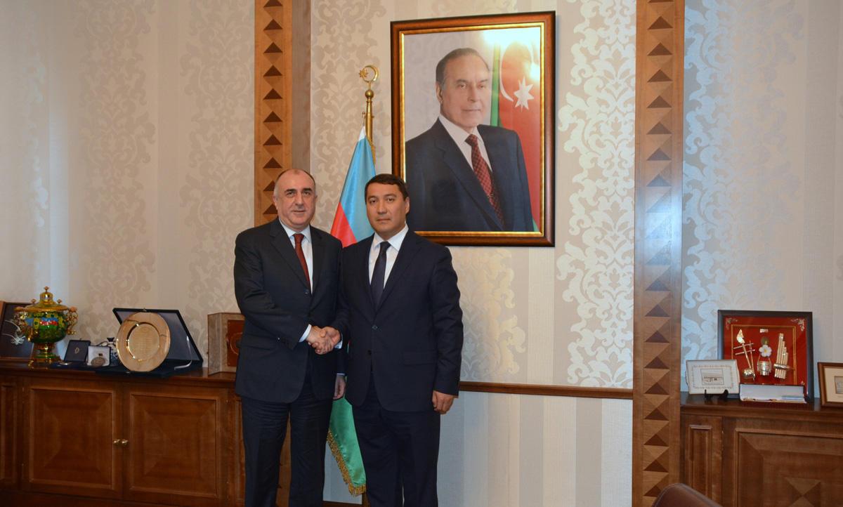 Эльмар Мамедъяров принял нового посла Казахстана