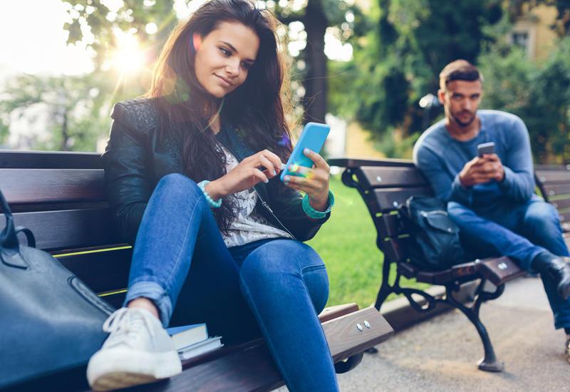 Как онлайн-общение приводит к расставанию?