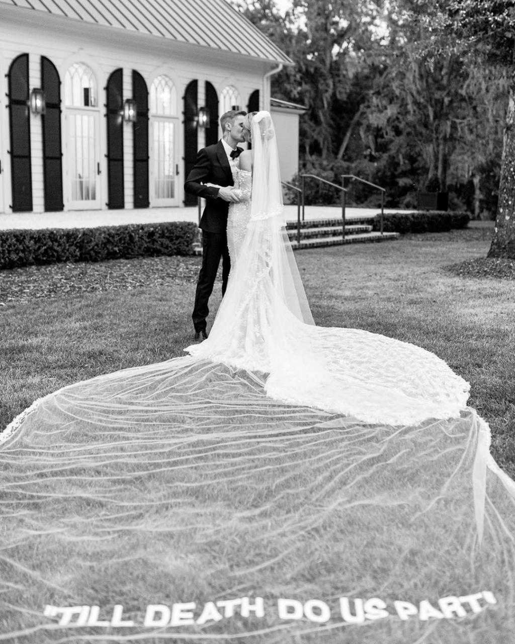 Джастин и Хейли Бибер поделились подробностями свадьбы