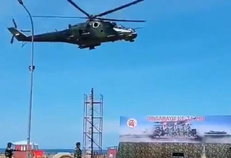 Вертолет снес декорации во время парада