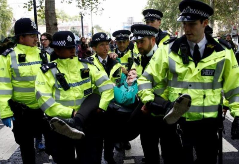 Британская полиция сообщила о задержании более 580 экоактивистов