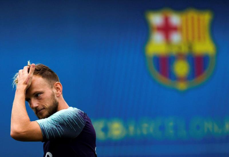 """""""Барселона"""" планирует продать Ракитича и Коутиньо из-за финансовых проблем"""