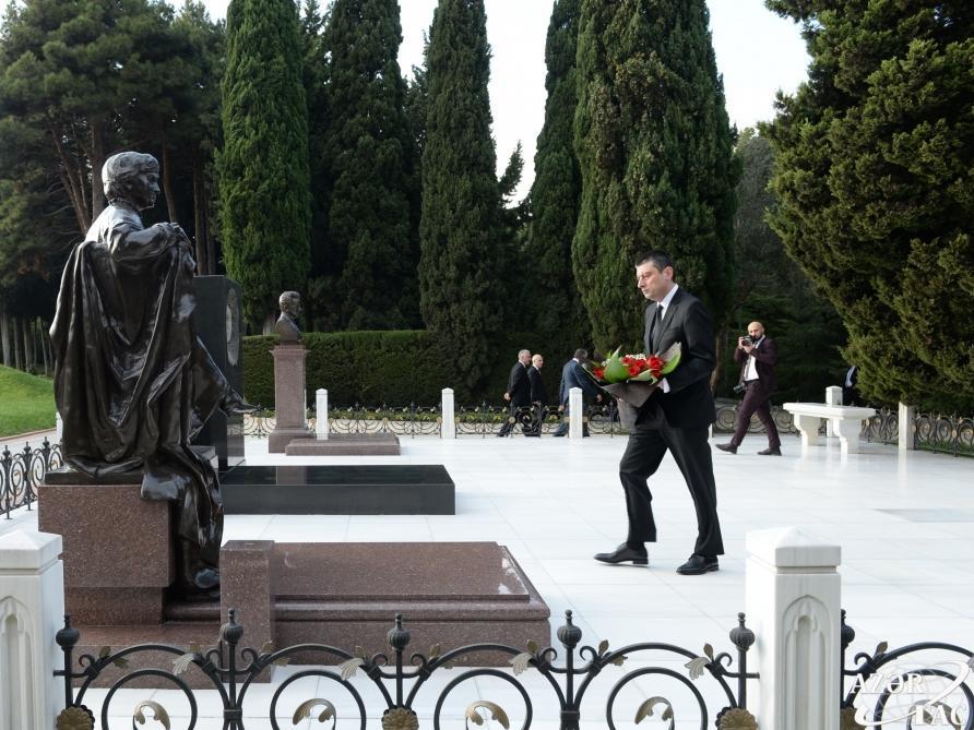 Премьер-министр Грузии посетил могилу великого лидера Гейдара Алиева и Шехидляр хиябаны