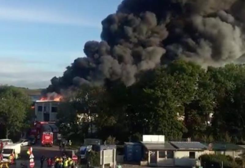 Сильный взрыв в аэропорту в Австрии