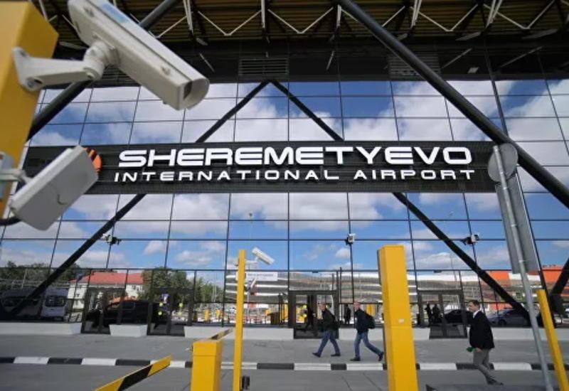 В Шереметьево пассажир пронес пистолет на борт самолета