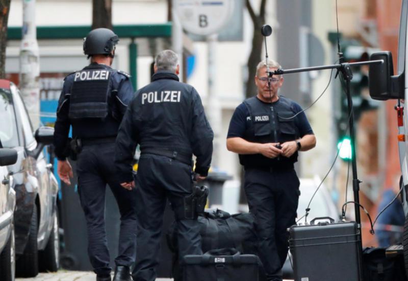 Полиция ФРГ обыскала квартиру предполагаемого стрелка из Галле
