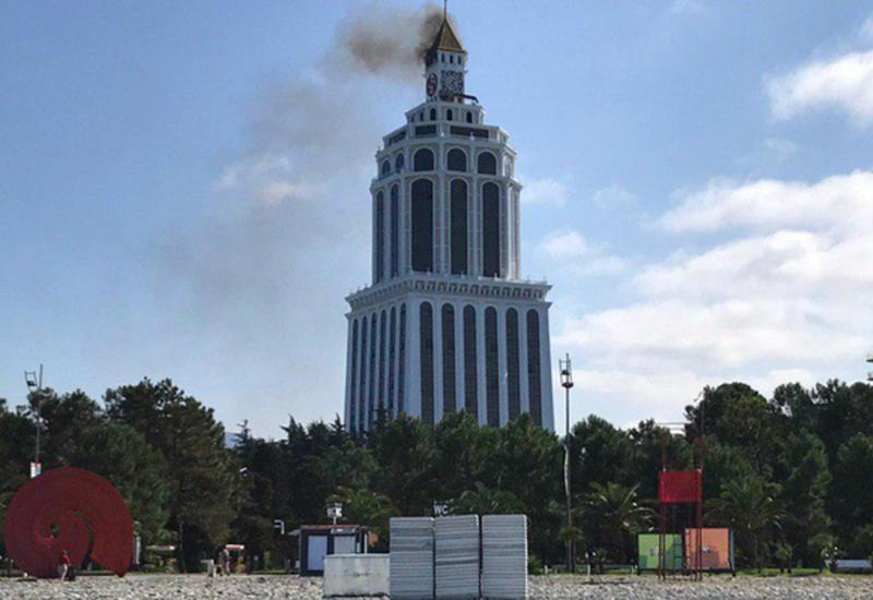 Пятизвездочный отель загорелся в Батуми