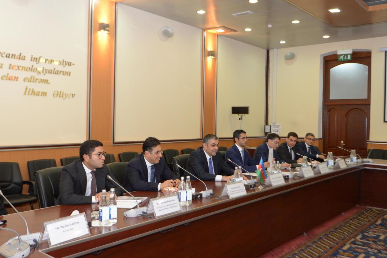 Азербайджан и Австрия обсудили сотрудничество в сфере транспорта и инновационных технологий