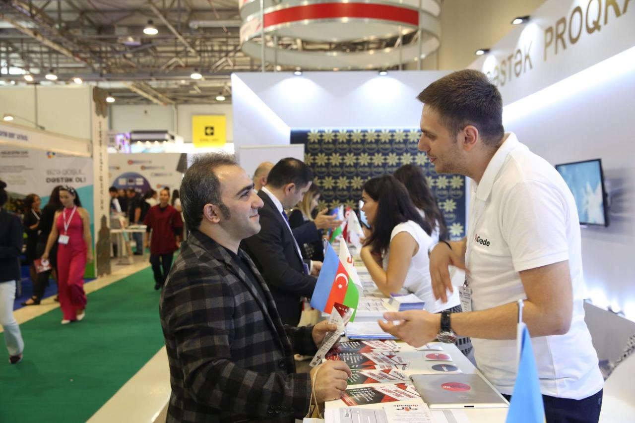 При поддержке Агентства по развитию МСБ Азербайджана предприниматели участвуют в выставке «Образование и карьера»