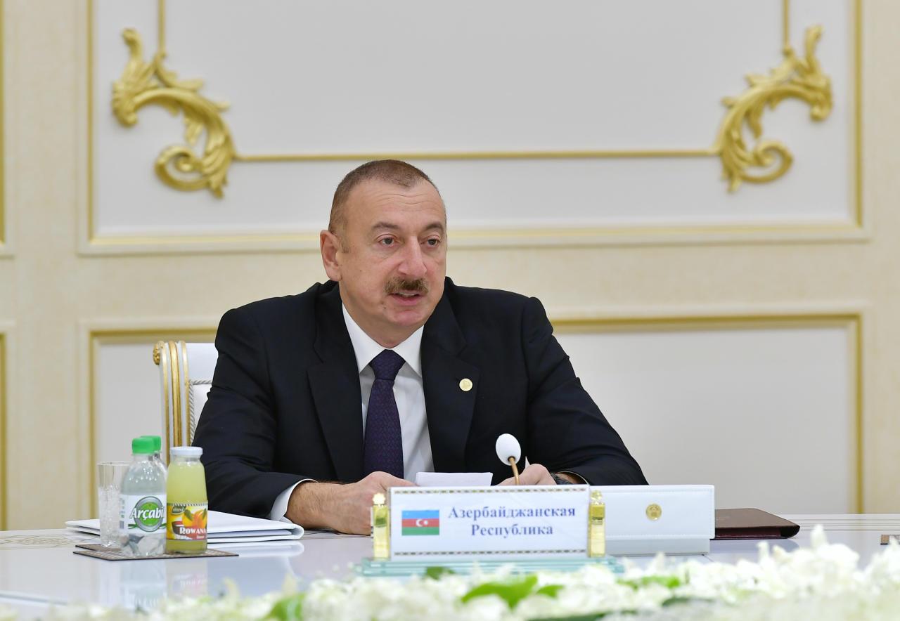 Президент Ильхам Алиев принял участие в заседании Совета глав государств СНГ в узком составе в Ашгабаде