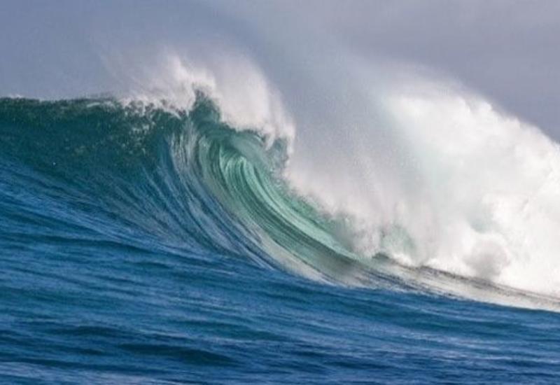 Высота волн на Каспии достигла 5 метров