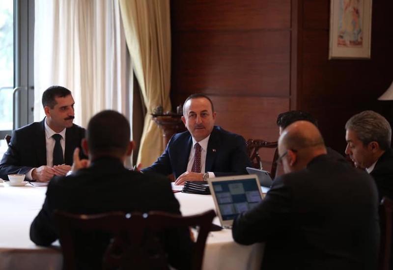 Мевлют Чавушоглу прибыл в Азербайджан
