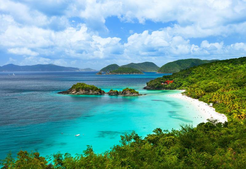 Выставлен на продажу остров, где снимали «Пиратов Карибского моря» и «Казино Рояль»