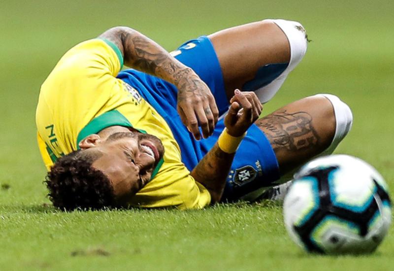 Бразилец Неймар снова травмирован