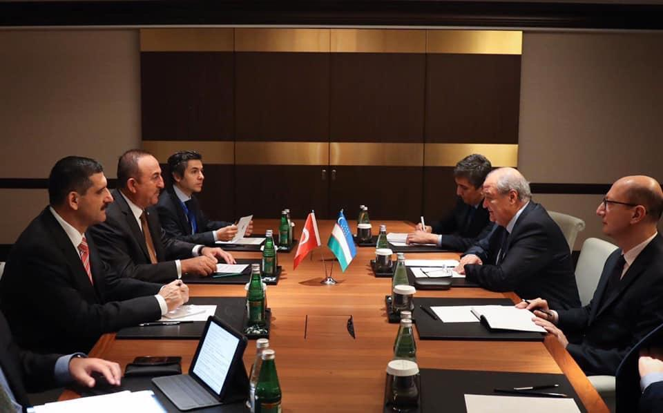 Главы МИД Турции и Узбекистана провели переговоры в Баку