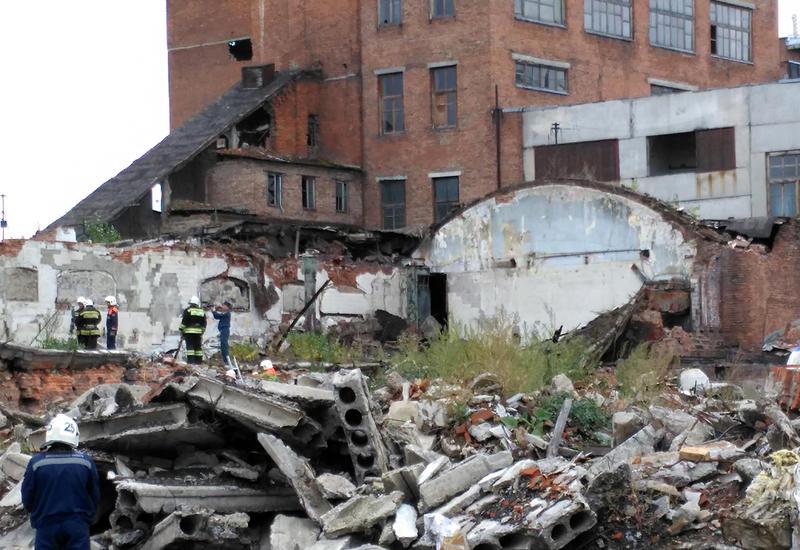 В Китае обрушилось здание банка, под завалами остались люди