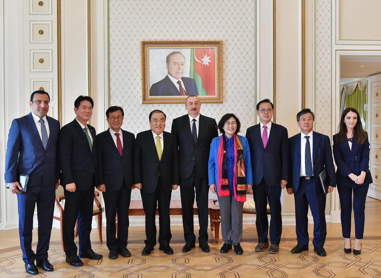 Президент Ильхам Алиев принял делегацию во главе с председателем Национальной ассамблеи Республики Корея