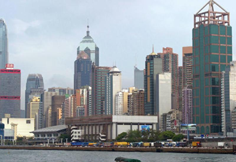 Парламентарии не дали главе администрации Гонконга выступить с речью