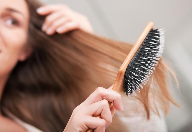 Почему электризуются волосы и как с этим бороться?
