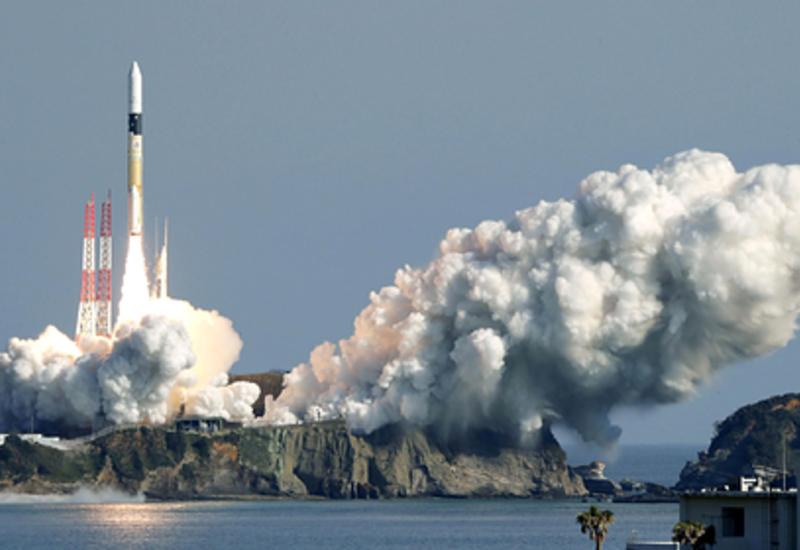 Япония успешно испытала сверхманевренный спутник