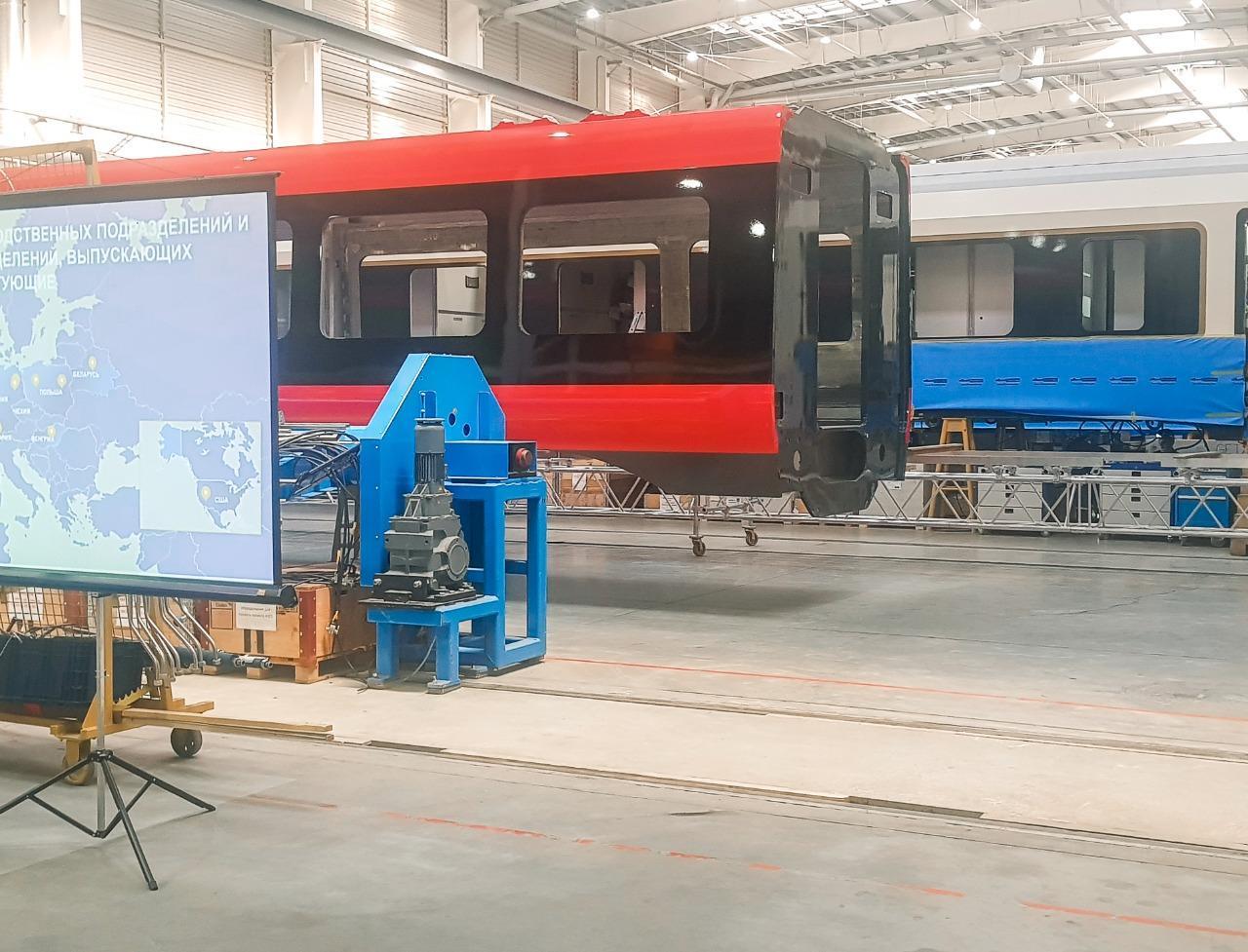 Осмотрены электропоезда и спальные вагоны, собранные по заказу Азербайджана в Минске