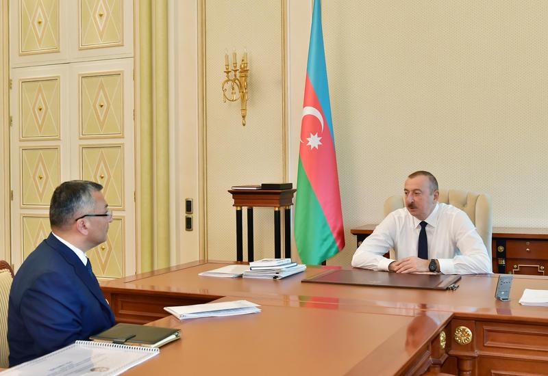 Президент Ильхам Алиев принял председателя Госкомитета по делам беженцев и вынужденных переселенцев