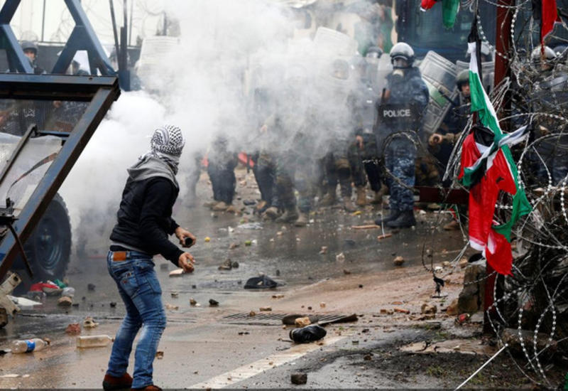 Силы безопасности Ливана применили слезоточивый газ для разгона протестующих