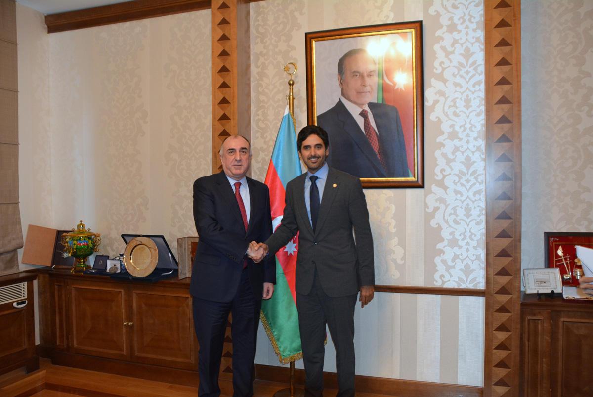 Эльмар Мамедъяров на переговорах с новым послом Катара