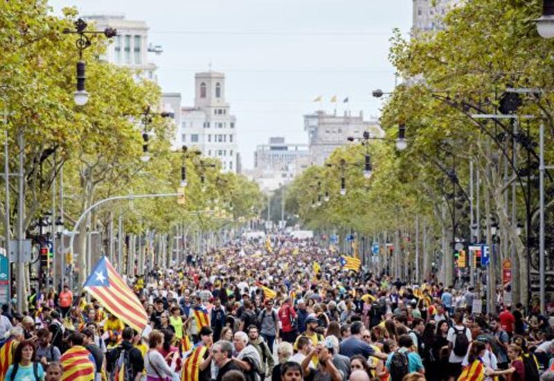 В Каталонии за сутки задержали более 50 сепаратистов за учиненные беспорядки